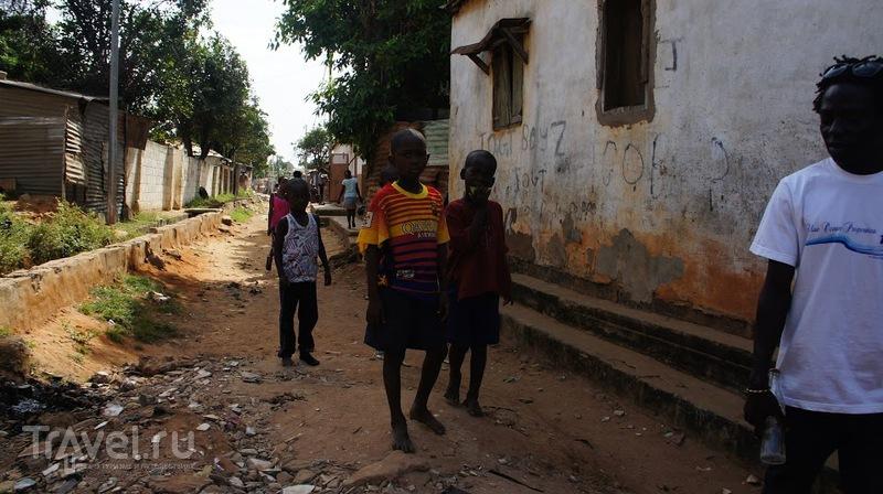 Сезон Эболы в Гамбии / Гамбия