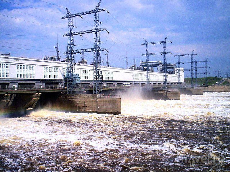 Плотина Камской ГЭС
