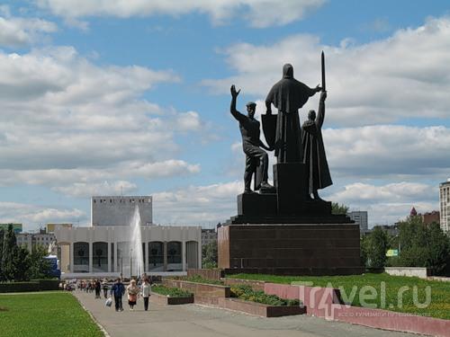 Памятники города перми крутые памятники фото краснодар на кладбище