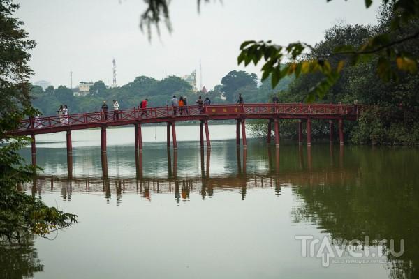 Озеро Хоан Кием в Ханое / Вьетнам