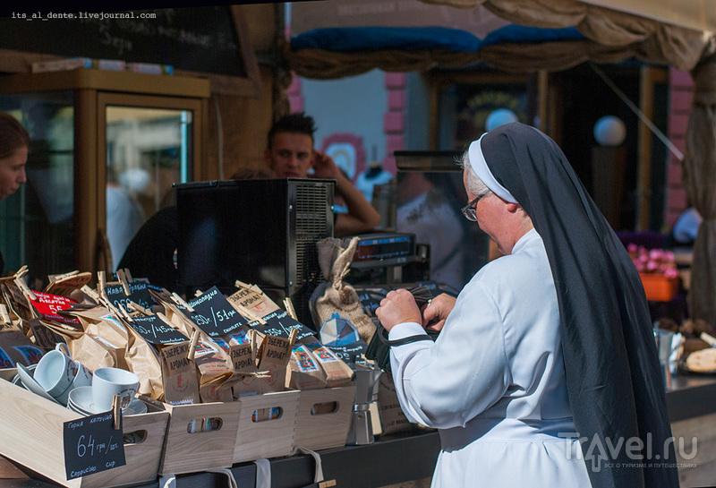 Кусочки Львова: площадь Рынок и много кофе / Украина