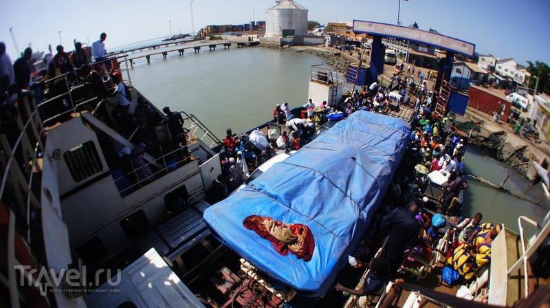 Banjul, Gambia - Dakar, Senegal and all modes of transport / Гамбия