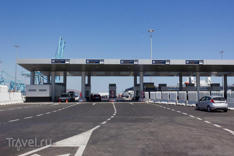 Как переплыть Гибралтар и попасть в Марокко / Испания