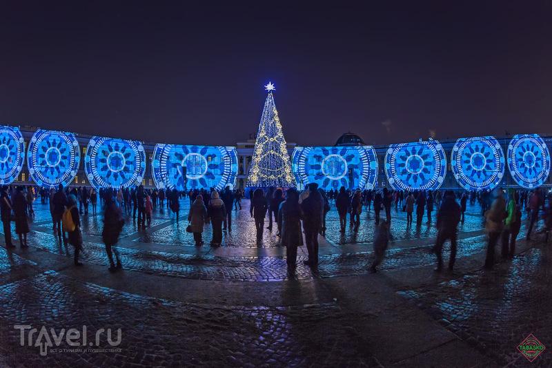 """Световое шоу """"Новогоднее путешествие"""" в Санкт-Петербурге / Россия"""
