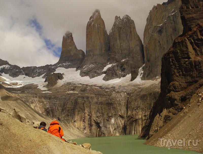 Туристы в Торрес-дель-Пайне / Чили