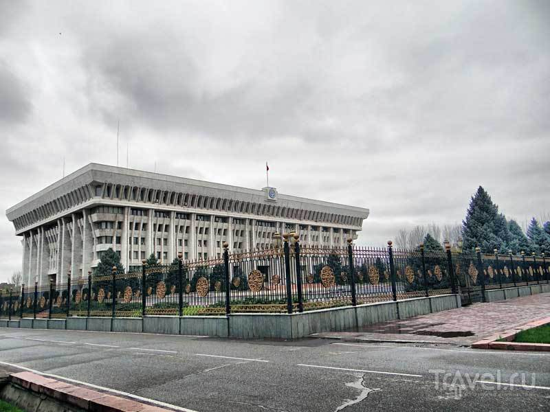 Киргизия. Бишкек. Белый дом / Киргизия