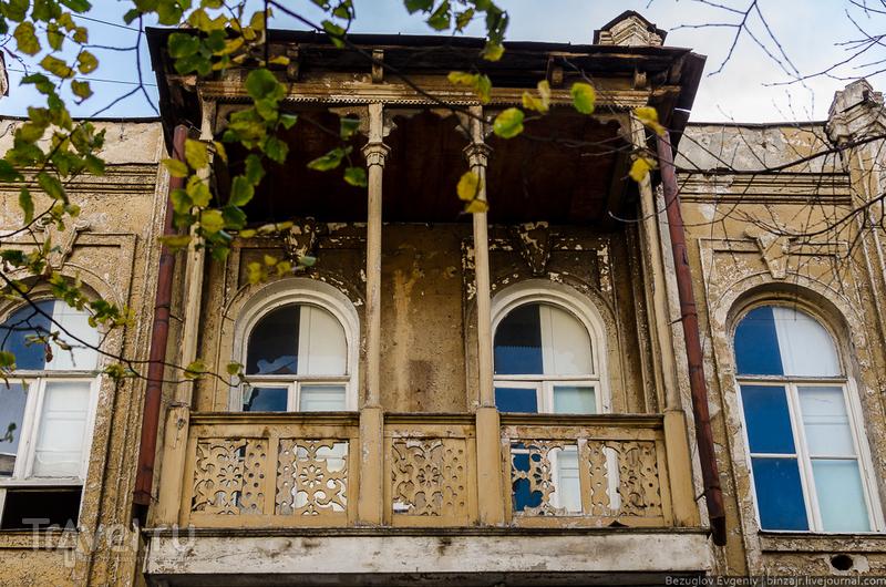 По дороге к самому старому парку города / Грузия