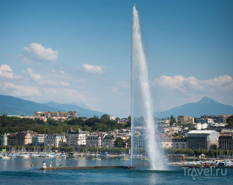 Фонтан и вид на Альпы делают Женевскую панораму уникальной