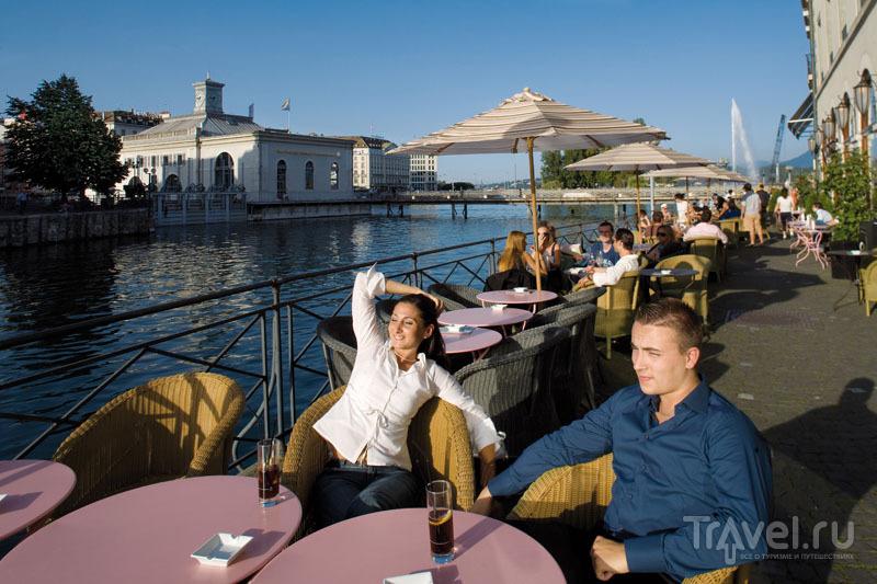 Ланч на террасе очень типичен для жителей Женевы