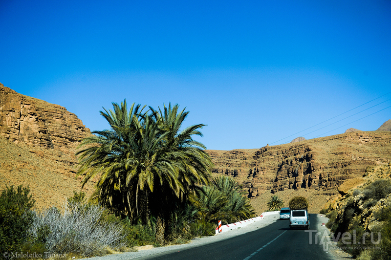 Марокко. Дорога из Мерзуги в Фес / Марокко