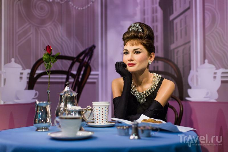 Выпить чаю с Одри Хепберн можно на острове Сентоза