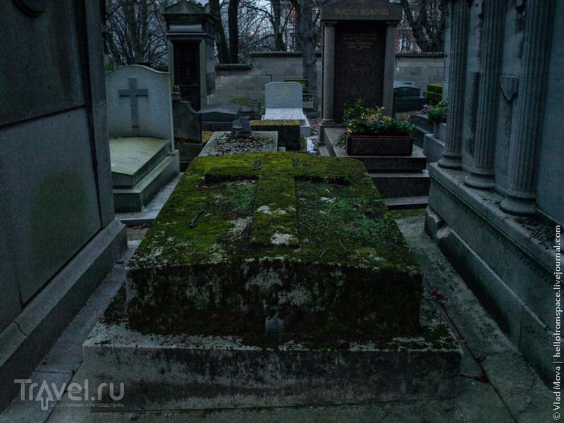 Кладбище Пер-Лашез в Париже / Франция