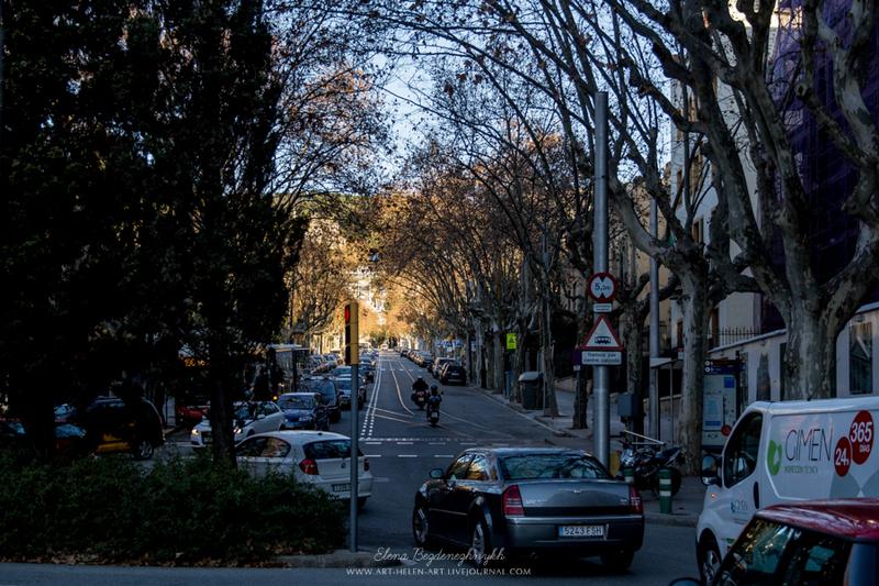 Барселона. Вверх по Avinguda del Tibidabo / Испания