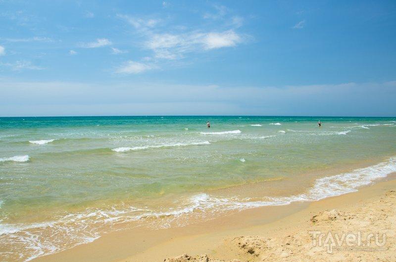Море и пляжи здесь очень красивые