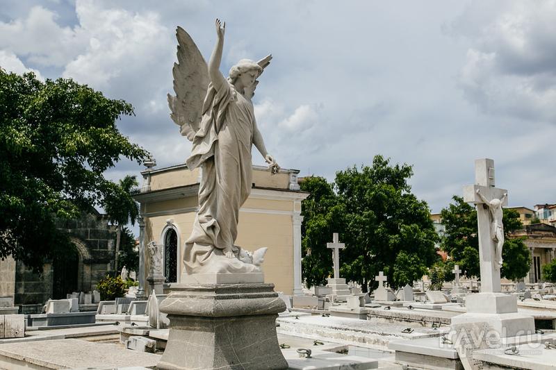 Путевые заметки: Некрополь имени Христофора Колумба, Гавана / Куба