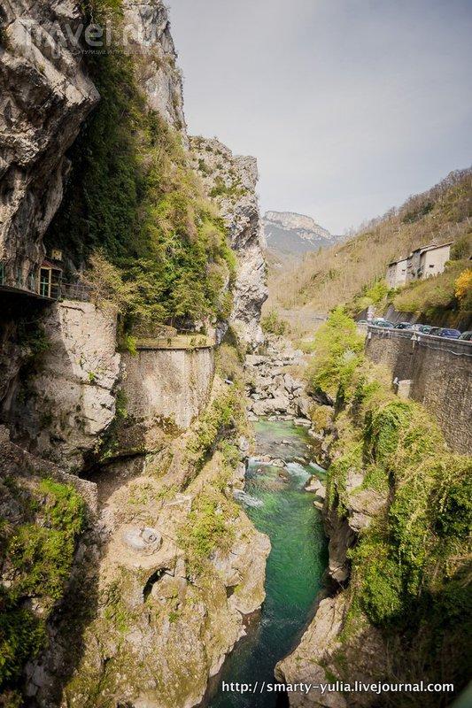 Живописный Понт-ан-Руайан (Pont-en-Royans) / Франция