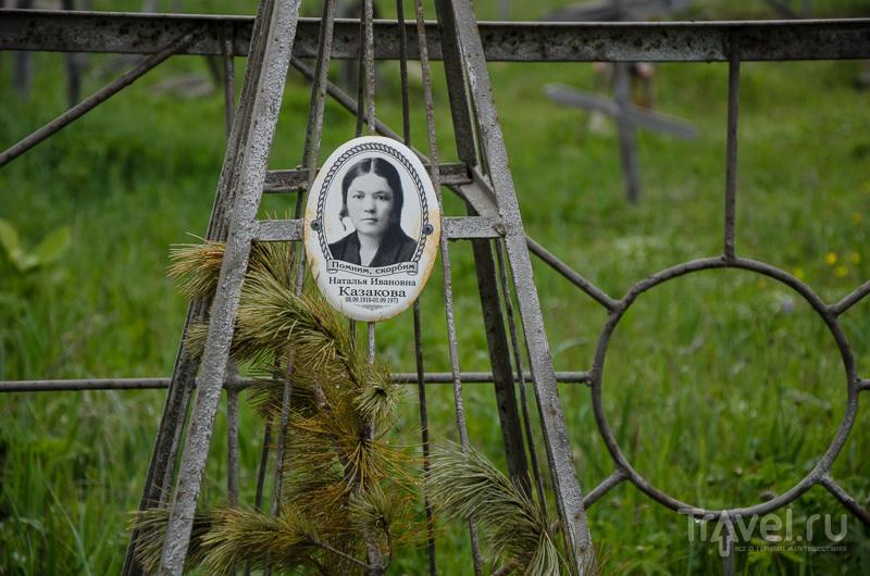 На кладбище у Охотского моря / Фото из России