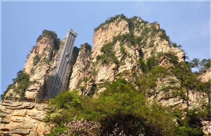 Самый высокий открытый лифт в мире, лифт сотен драконов