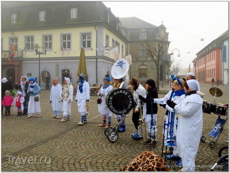 """Карнавал начинается:  что делают """"хемдглюнки"""" в грязный четверг? / Германия"""