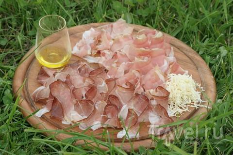 Тарелка австрийская. Большая, закусочная / Австрия