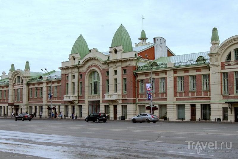 Главное здание музея - Городской торговый корпус Новосибирска