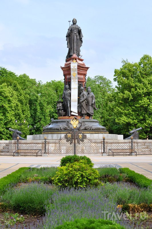 Памятники в краснодаре и описание 2015 изготовление памятников в санкт петербурге