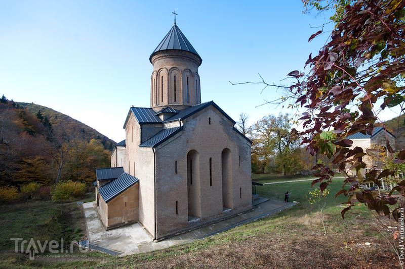 Грузия. Монастырь Кинцвиси / Фото из Грузии