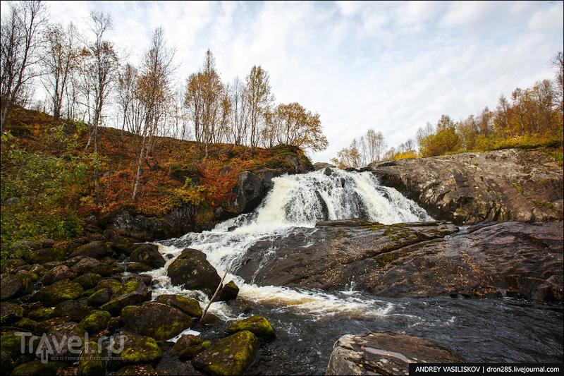 Водопад на реке Лавна / Россия
