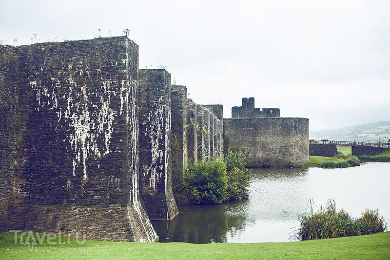 Caerphilly Castle / Великобритания