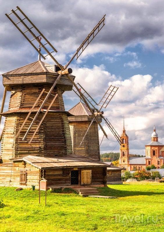 Мельницы музея деревянного зодчества в Суздале