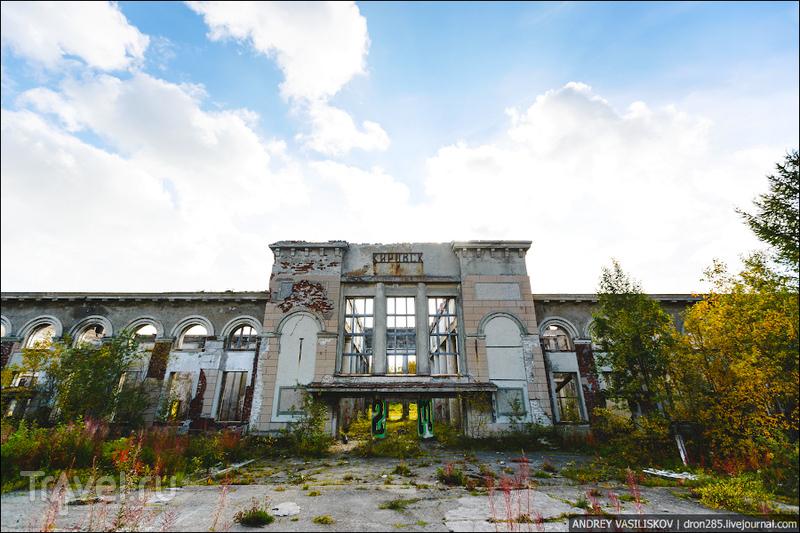 Заброшенный вокзал в Кировске / Россия