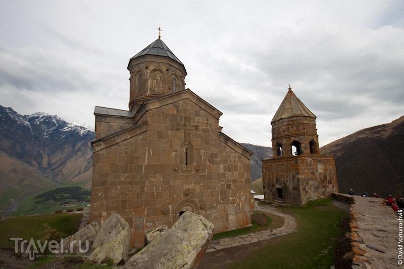 Грузия, Военно-Грузинская дорога: Степанцминда и Троицкая церковь в Гергети / Фото из Грузии