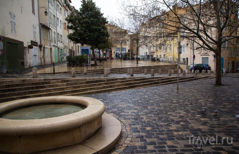 Люди и улицы в Марселе / Франция