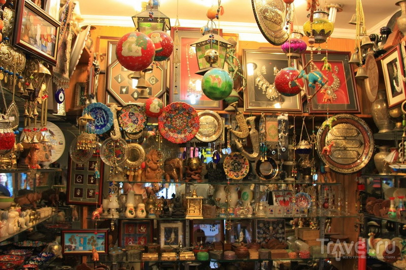 Сувенирная лавка в Баб аль-Бахрейн