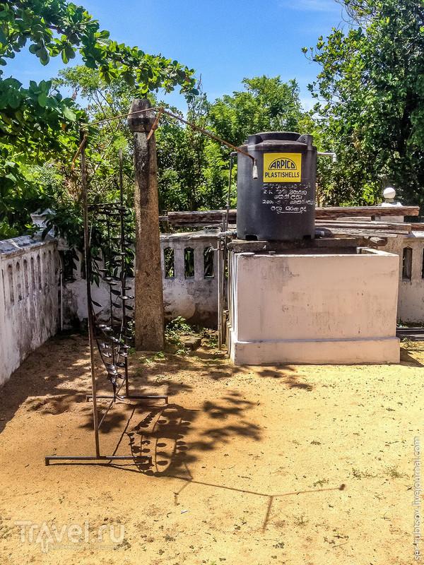 Загадочный буддистский храм в Хиккадува / Шри-Ланка