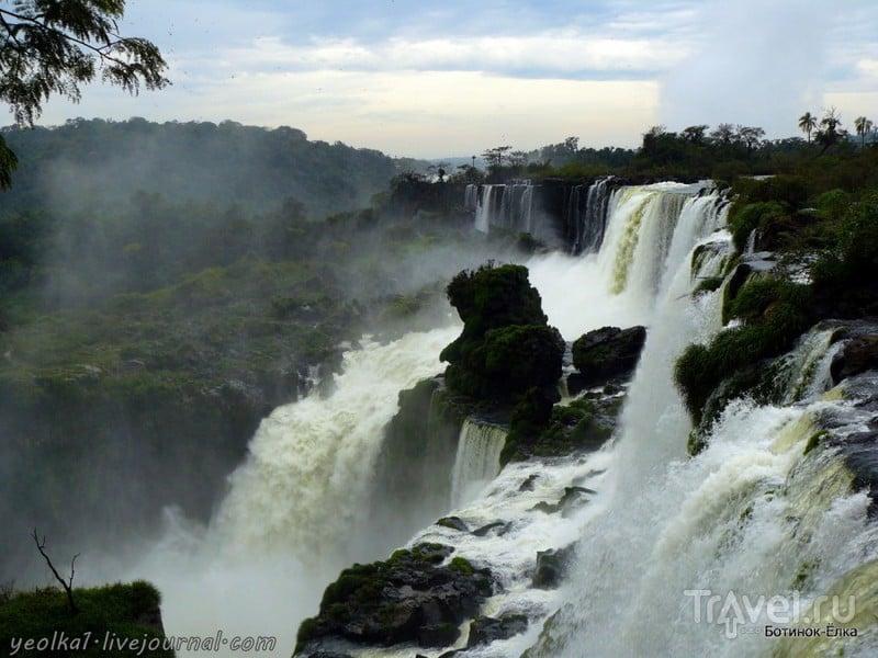 Un gran viaje a América del Sur. Водопады Игуасу. Аргентина. Дым над водой / Аргентина