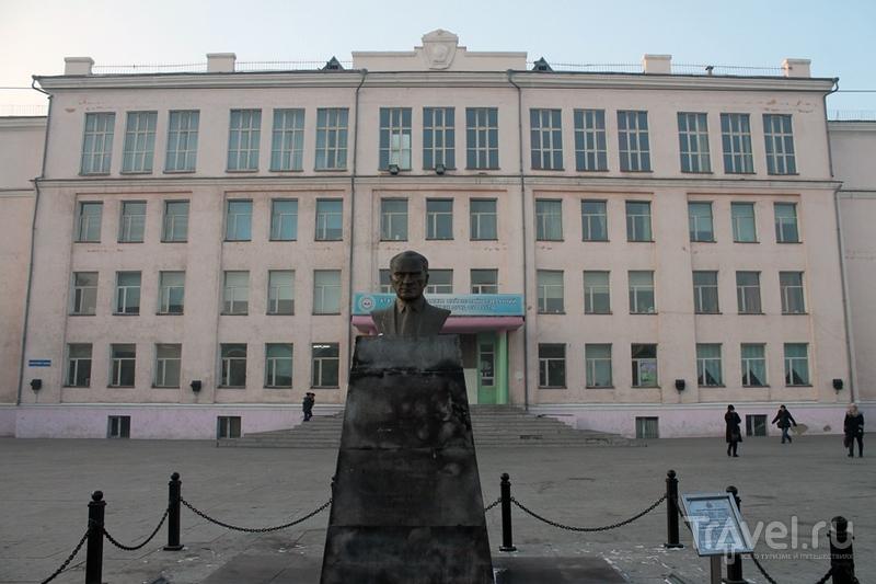 Монголия: Улан-Батор. Небоскребы, хрущевки и трущобы / Монголия