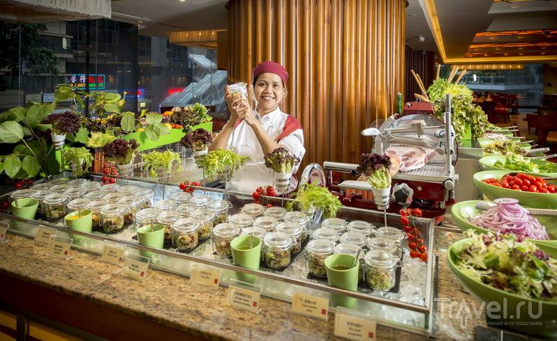 Приготовление салатов в Kowloon, Shangri-La