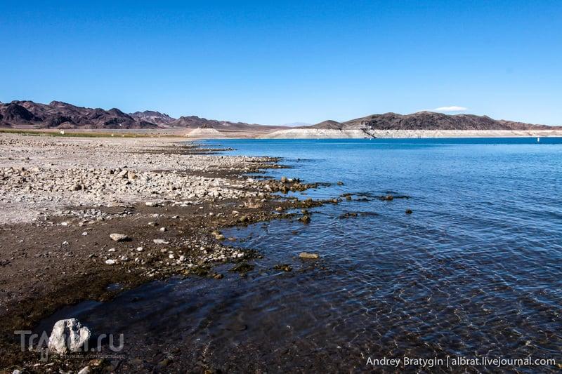 Плотина Гувера. Озеро Мид / Фото из США