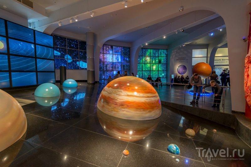 Модель Солнечной системы в музее Урании