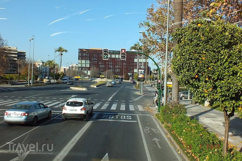 Испания в январе. Кордова. Маршрут двухэтажного туристического автобуса / Испания