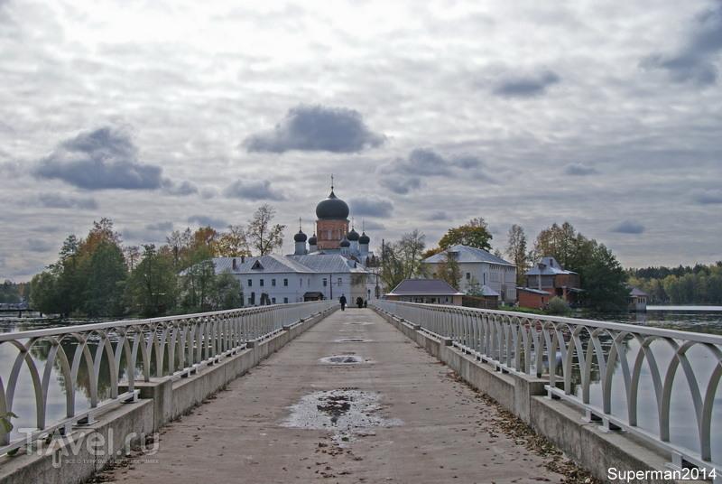 Свято-Введенская островная женская пустынь / Россия