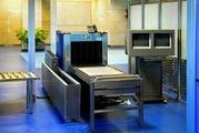 На таможенном контроле ваши вещи могут пропустить через сканер