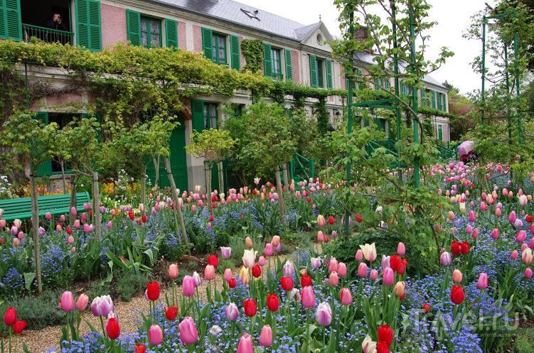 Живерни весной / Фото из Франции