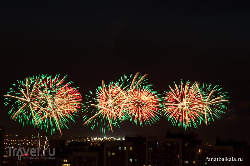 Праздничный салют в Сибири / Россия