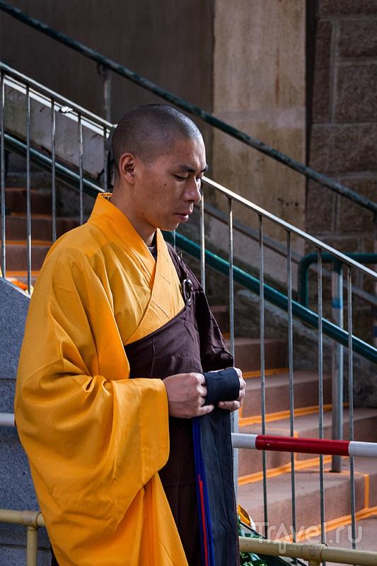 Гонконг. Нгонг Пинг. Монастырь По Лин / Гонконг - Сянган (КНР)