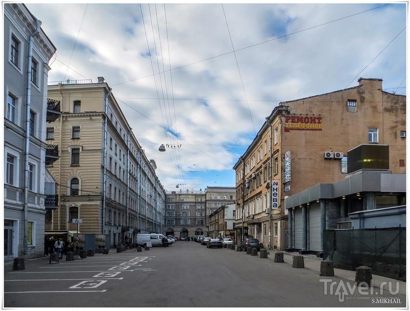 Самый короткий переулок Питера / Россия