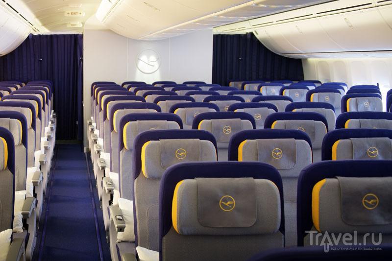 Салон экономического класса в дальнемагистральных самолетах / Германия