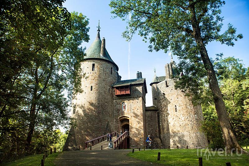 Замок Кох / Castell Coch / Фото из Великобритании
