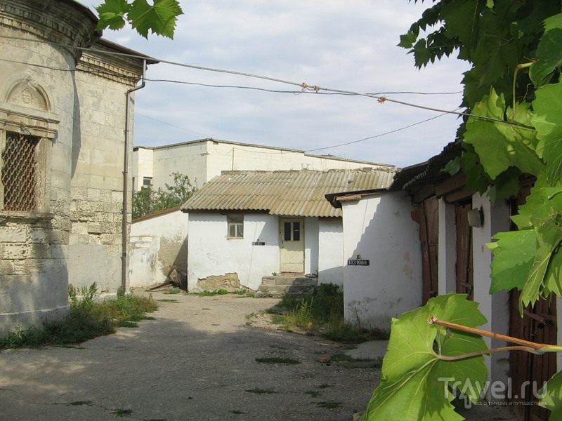 В старом городе. Евпатория / Россия